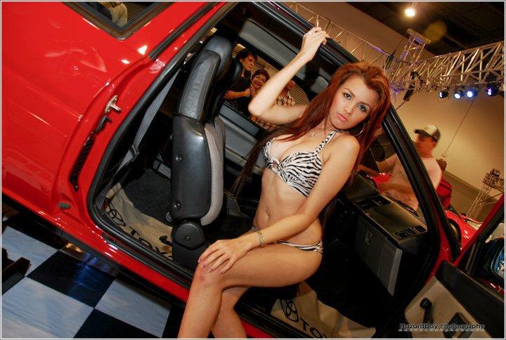DORINA GROH : Hottest Car Show Model