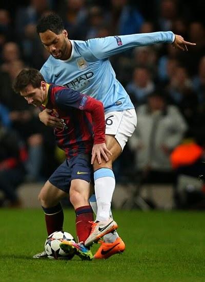Lionel Messi [Barcelona] vs Lescott [Manchester City] 20132014