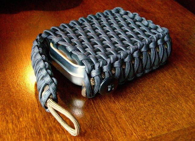 Stormdrane 39 s blog survival tin playing card edc paracord for How to make a belt out of paracord