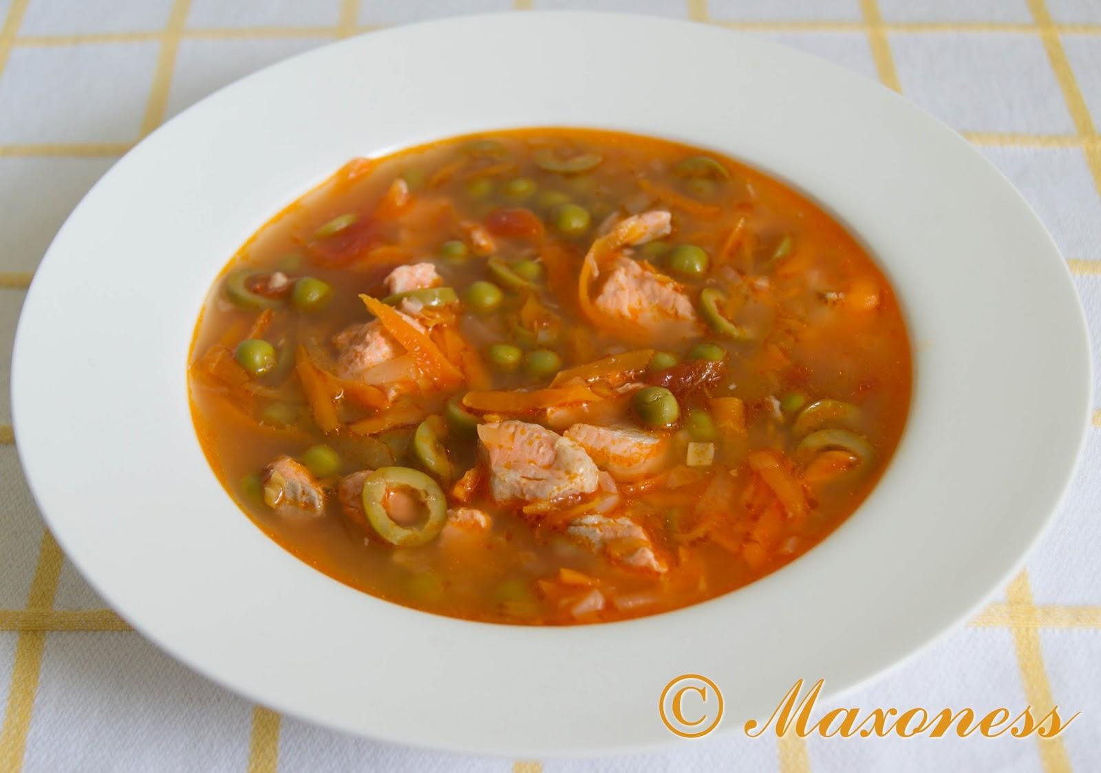 Суп из лосося с зеленым горошком