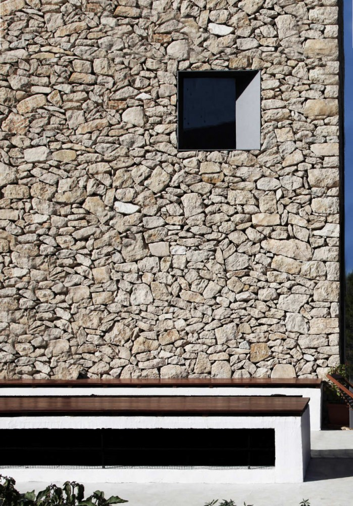 Most beautiful houses in the world small simple stone for Minimalist stone house