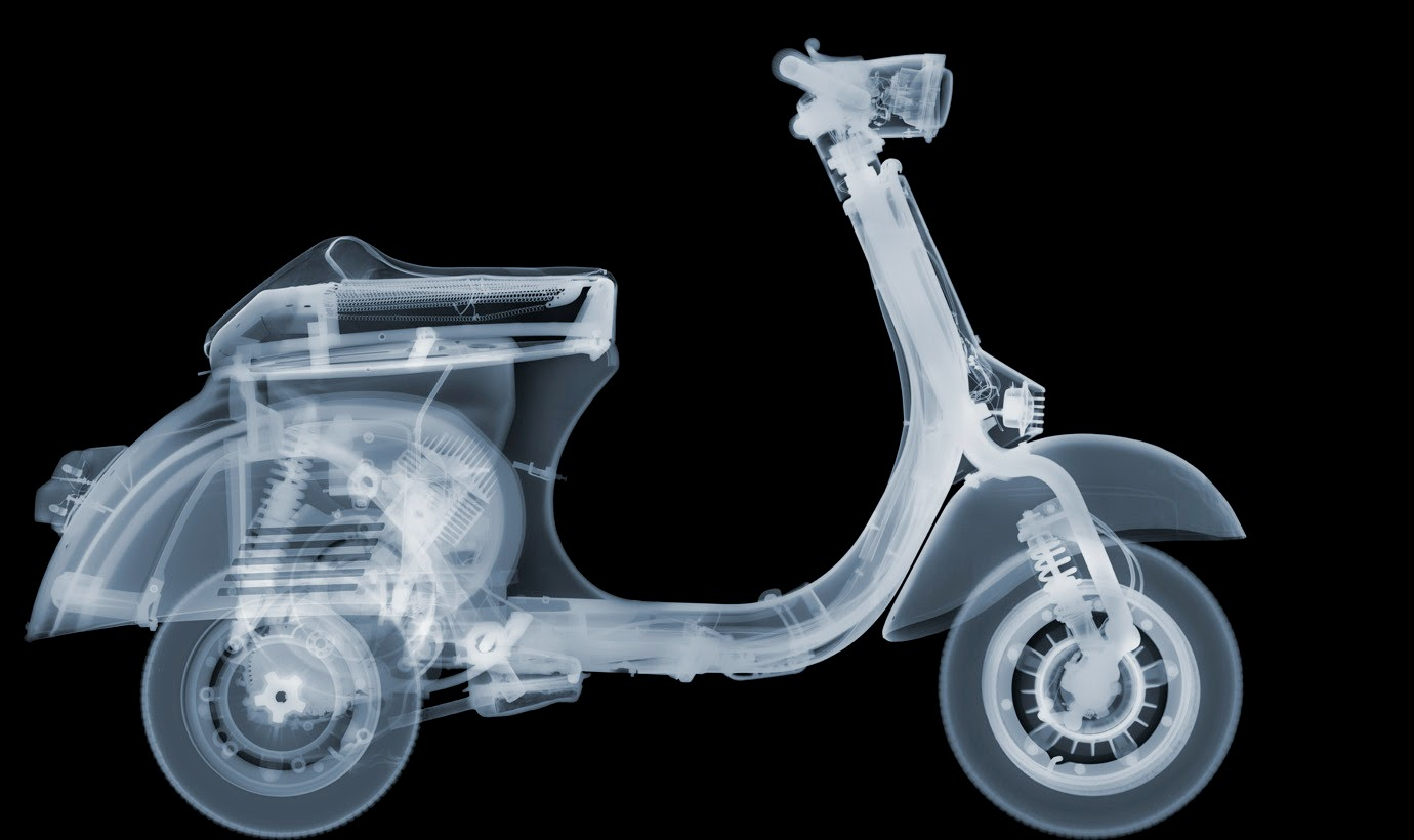 06-Vespa-Nick-Veasey-X-ray-Images-Mechanical-Musical-www-designstack-co