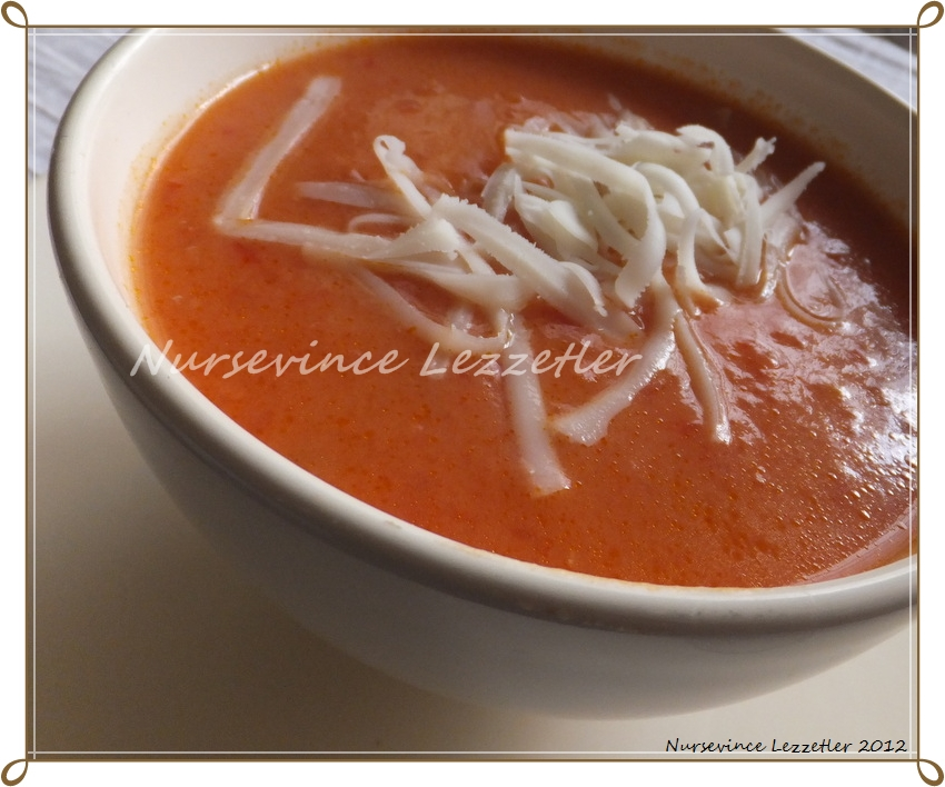 Sütlü Domates Çorbası Tarifi   Yemek Tarifleri