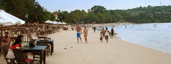 Foto Keindahan Pantai Jimbaran di Bali