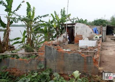 Sau khi bị cưỡng chế, căn nhà ông Vươn là đống đổ nát. Ảnh: Nguyễn Hưng.