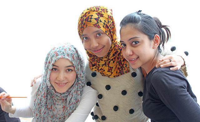 Hijab Tutorial 2 Cara Memakai Tudung Bawal Ala Najwa /page/page/266 ...