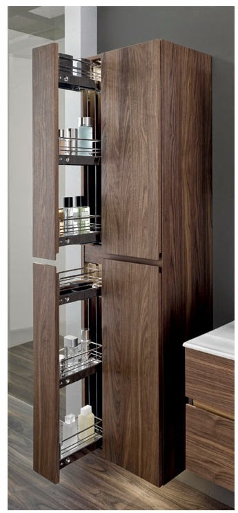 Высокий шкаф с особым механизмом и аккуратными полочками. Экономит пространство и позволяет содержать вещи в порядке.