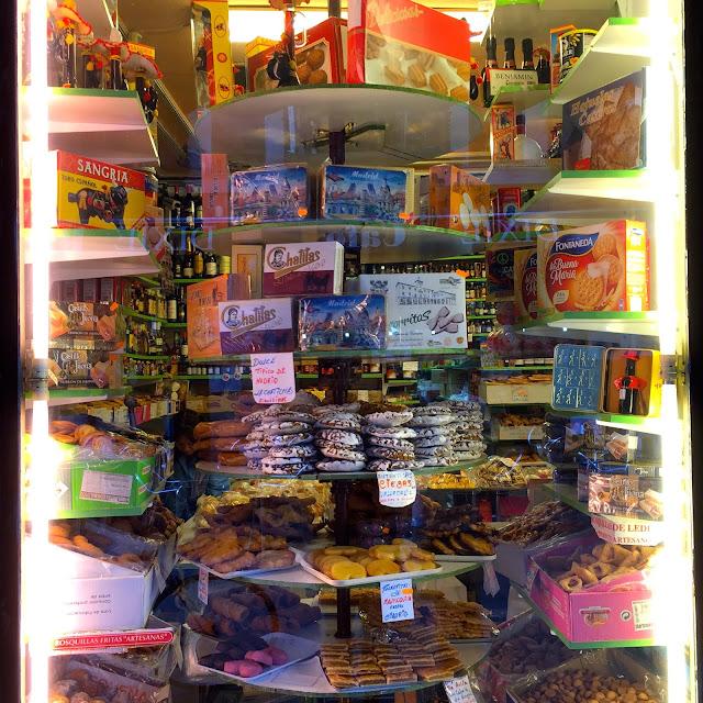 mantequería bermejo madrid plaza mayor estamostendenciados dulces típicos legumbres allcohol dulces artesanos pastas magdalenas pastas de pueblo