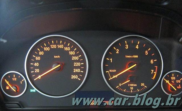 BMW 320i 2013 - interior - por dentro