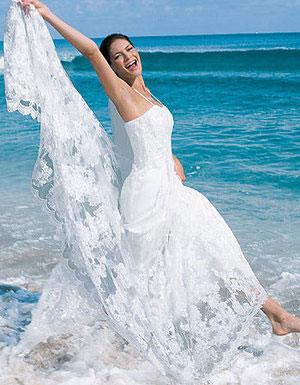 Hawaii Beach Wedding DresBare Feet And Formal Gowns