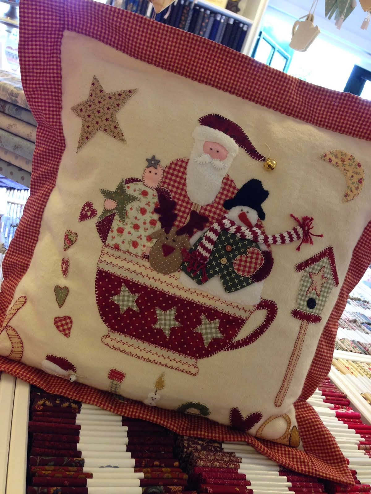"(VOL) Christmas ""JOY"" Pillow € 47,50 incl. lunch en materiaal."