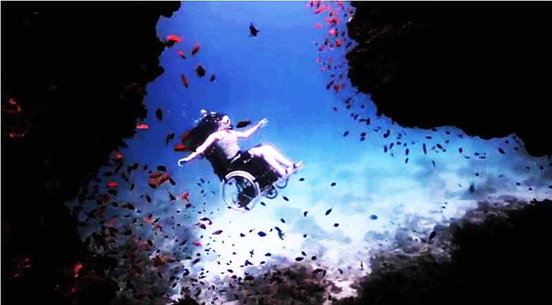 Sue Austin, bajo el agua, silla de ruedas, submarinismo