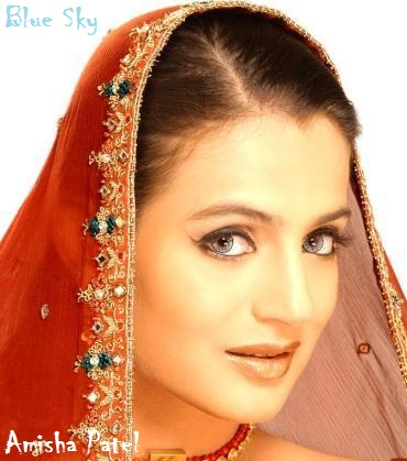 Foto Amisha Patel - Artis Bollywood India | Saraung Blue Sky