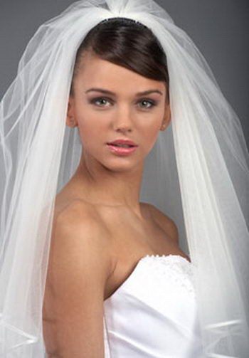 Long Wedding Veils And Tiaras