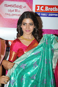 Samantha glamorous photos in saree-thumbnail-12
