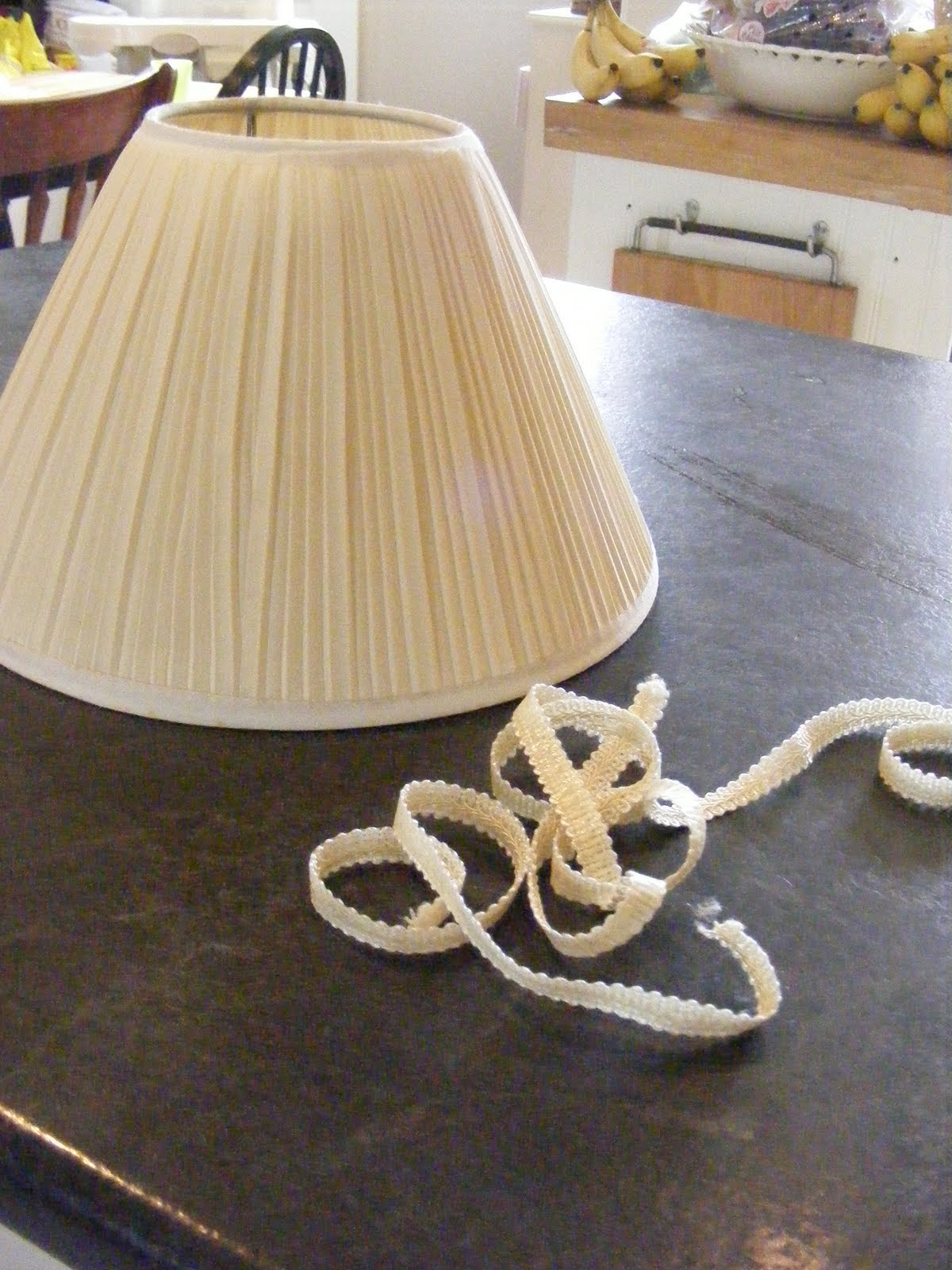 How to recover a lamp shade the complete guide to for Redoing lamp shades