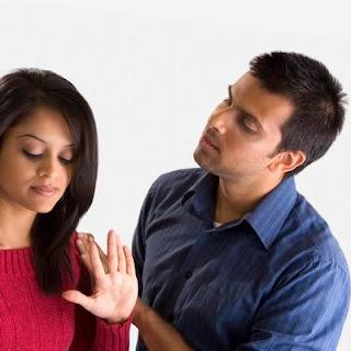 اًسباب فشل الحياة الزوجية - زواج تعيس فاشل - زوجان - sad failure marriage couple