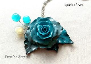 синя антична роза от полимерна глина