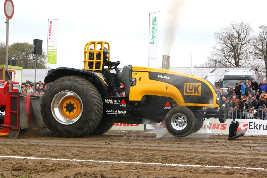 Pro Stock Pulling Tractors : Tractor pulling news pullingworld füchtorf review
