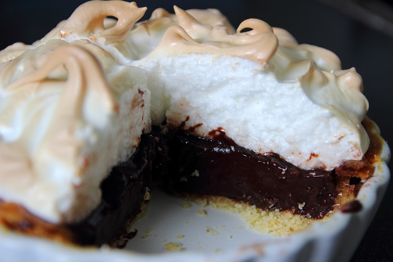 Deb's Dust Bunny: Chocolate Meringue Pie