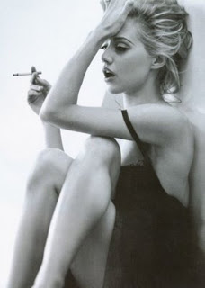 Brittany Murphy Smoking Cigarettes