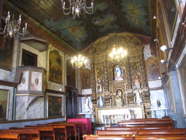 Madeira Câmara de Lobos Church