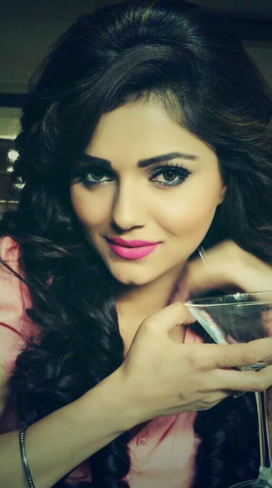 Sizzling Hot Sara Khan Bikini Wallpapers  - Allscoopwhoop