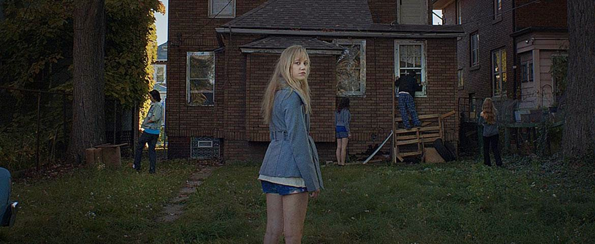 It Follows 2014 film horror david robert mitchell detroit derelict house