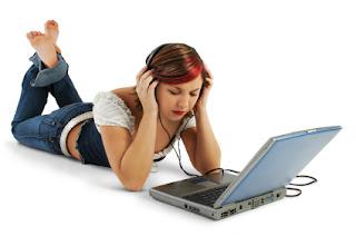 Ouvindo música no computador