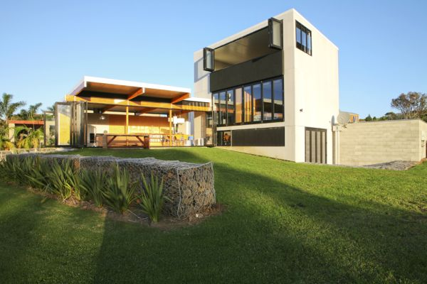 Home luxury design contemporary beach house design in new for Coastal home designs nz
