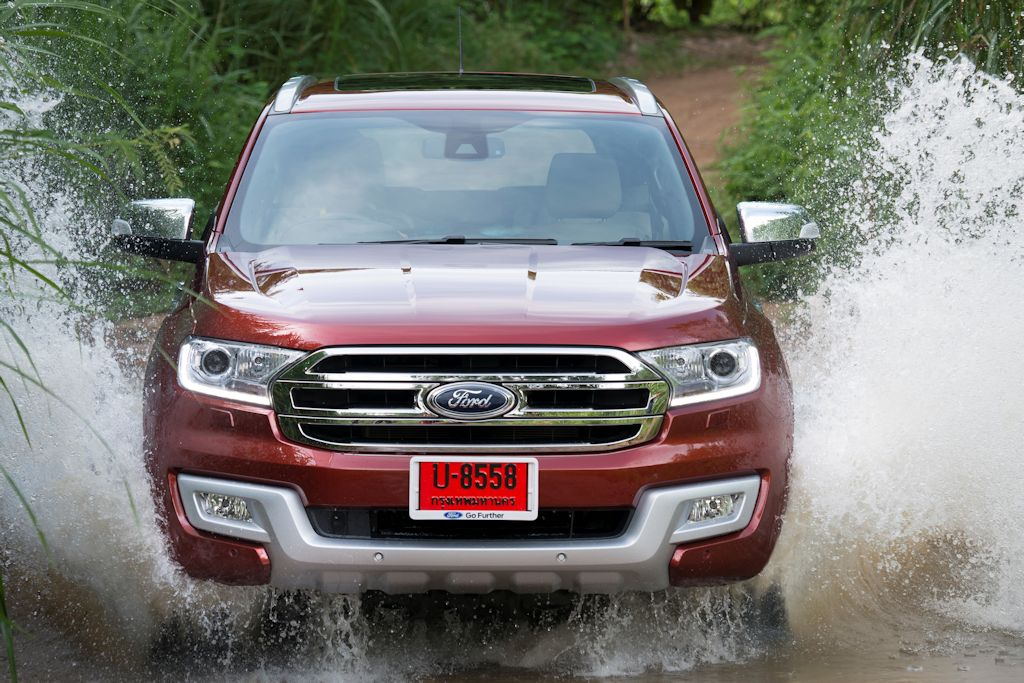 Video 2015 2016 Ford Everest Struts Its Stuff In Thailand Philippine Car News Car Reviews