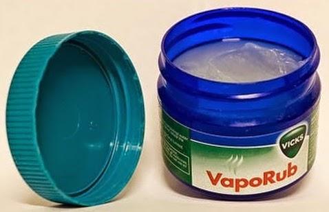 Vicks Vaporub Cough Suppressant Topical Analgesic jar 6 oz vipaporu analgésico compuesto toxicidad toxixidad turpentine niños vick para que se utiliza la vaselina cuando trementina composición pomada uso tópico vaporú