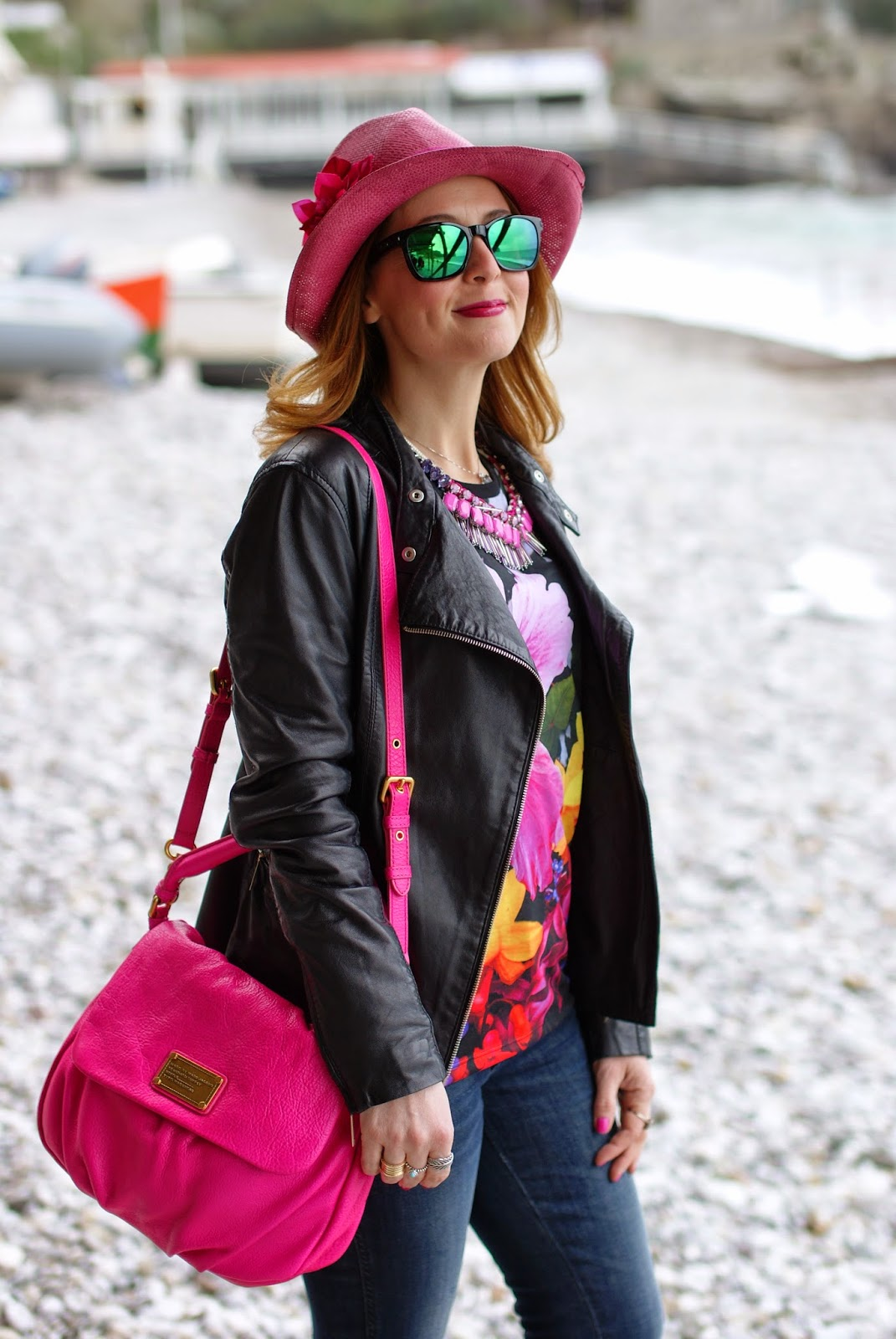 Fuchsia hat, Sodini necklace, Marc by Marc Jacobs lil ukita bag, Oakley green sunglasses, Fashion and Cookies, fashion blogger