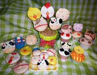 Galletas y cup cake tema La granja