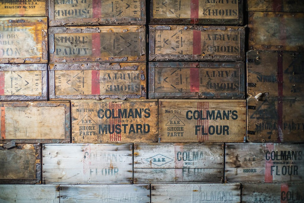 Caisses de survie : farine et moutarde