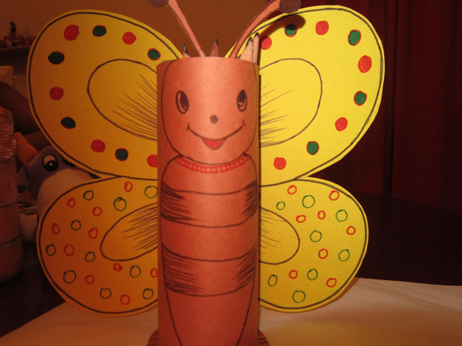 Divine art simple craft projects for kids for Waste material in home