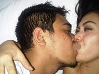 Son cums on moms pussy lips