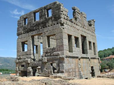 Torre de una mansio romana cerca de Emerita Augusta