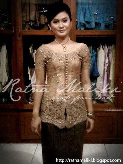 Foto Model Baju Kebaya Bali Terbaru 2015