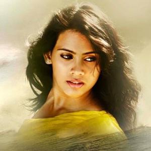 Kadal Heroine Thulasi First Look Stills