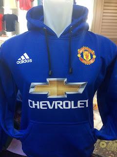gambar desain terbaru jaket hoodie MU musim depan foto photo kamera Jaket sweater Manchetser United Adidas warna biru terbaru musim 2015/2016 di enkosa sport toko online terpercaya lokasi di jakarta pasar tanah abang