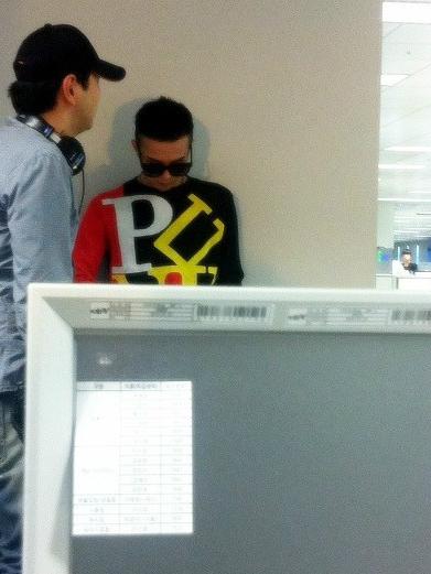 G-Dragon  Photos - Page 2 O0391052111518000297