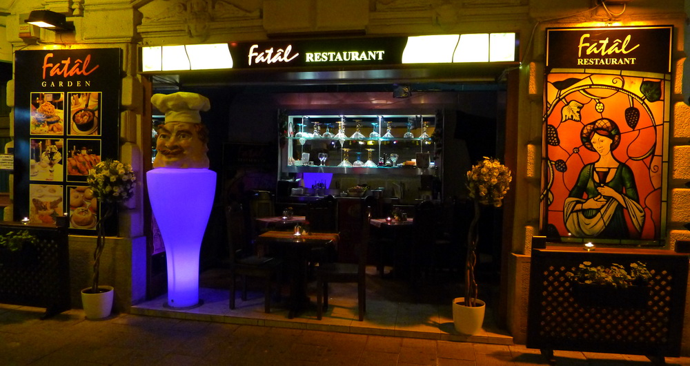 fAnny rAbbit mirAge: Budapest Eat Like a Queenie #18