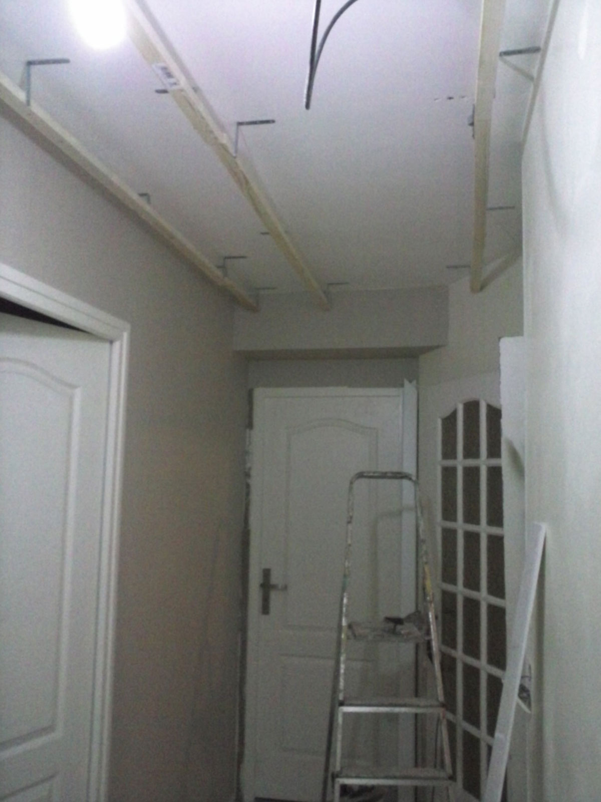 R novation de ma maison transformation d 39 un couloir for Comment poncer un mur peint