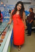 Jyothy sizzling at MOM launch event-thumbnail-20