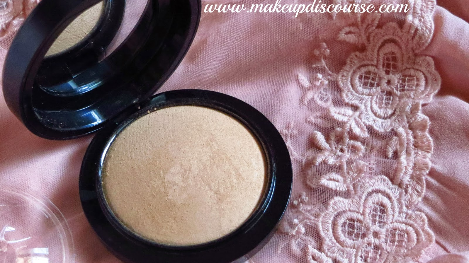 MAC Mineralize Skin Finish Natural Price in India