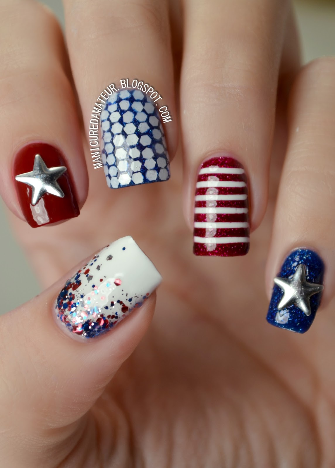 The Manicured Amateur: Happy Independence Day! 4th of July Nail Art