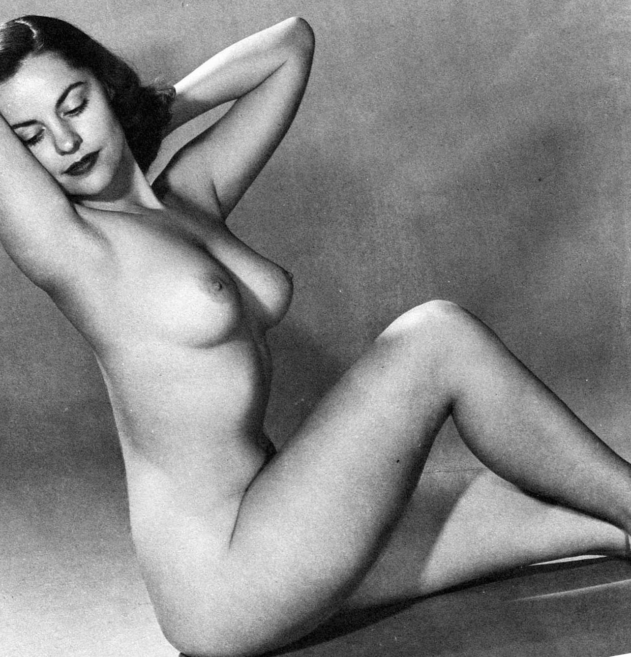 vintage women full frontal nudity