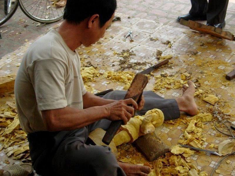Về làng Bảo Hà chiêm ngưỡng pho tượng biết đứng lên ngồi xuống/