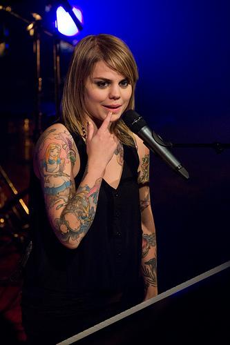 Coeur de Pirate Passionnée de tatouage elle évoque sa  - tatouage de coeur de pirate